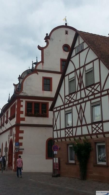Buergstadt-Main-Rathaus