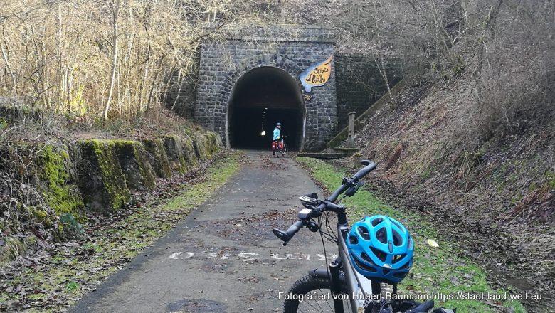 Maare-Mosel-Radweg zwischen Gillenfeld und Daun